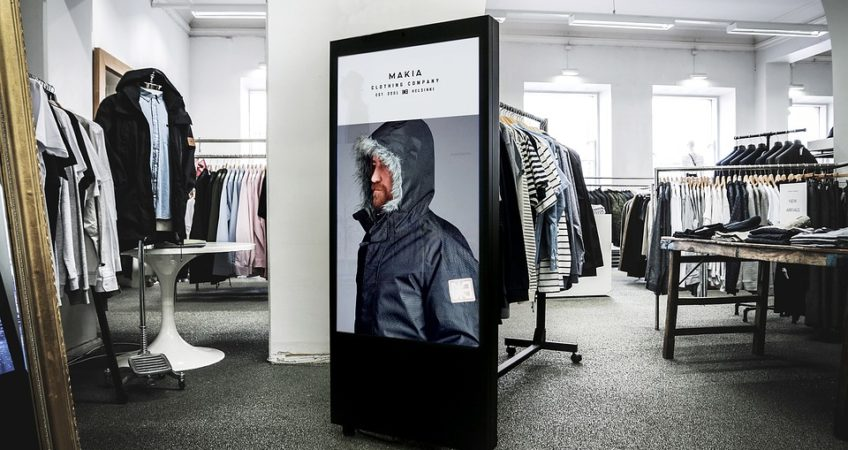 Retail recognition digital signage